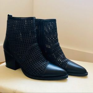 Sam Edelman 7.5 size boots - perfect for summer